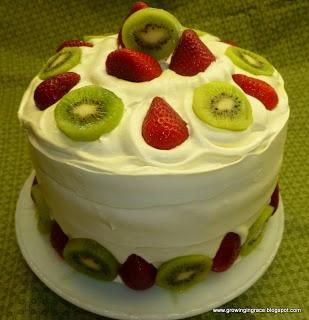 Strawberry, Kiwi, Angel Food Cake. | Cakes | Pinterest