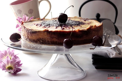 Cherry swirl cheesecake | Baked Delights | Pinterest