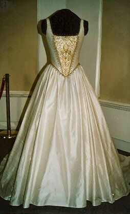 Pin by michelle gunter on sca gowns pinterest for Tudor style wedding dress