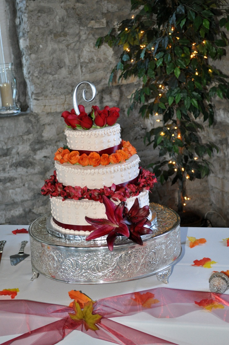 wedding cake was from wal mart and flowers from kroger 39 s florist