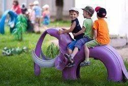 Elefantes feitos de pneu reutilizado :)