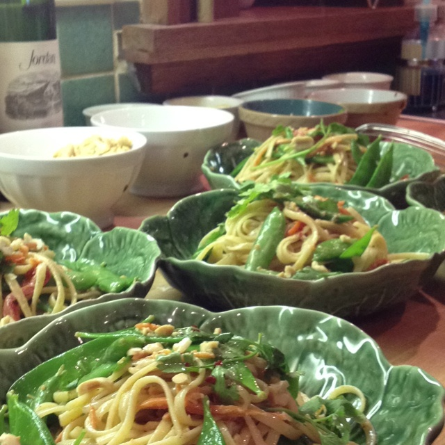 Spicy peanut noodles with garlic chili.. | food | Pinterest