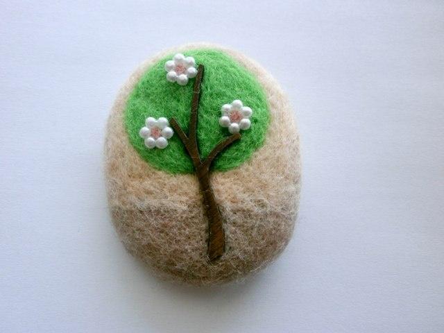 Needle Felt Flowering Tree Brooch | felting projects | Pinterest