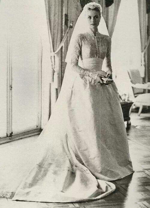 Grace kelly in her wedding dress 1956 ladies princess for Princess grace wedding dress