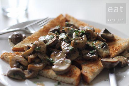 Mushrooms on toast   Food & Drinks   Pinterest