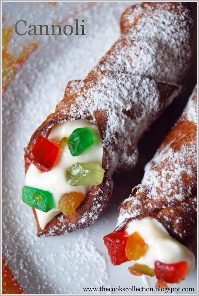 Cannoli filled with Ricotta and Mascarpone Cheese Cream. The cannoli ...