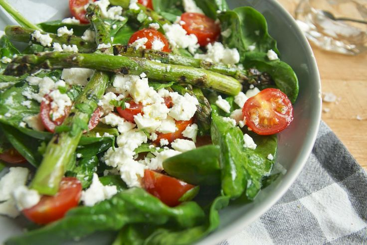 Griddled asparagus salad with feta and tomatoes