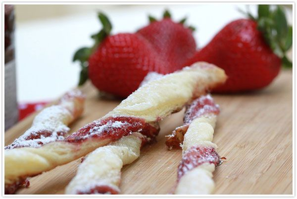 Breakfast jam straws - maybe with apple pie filling