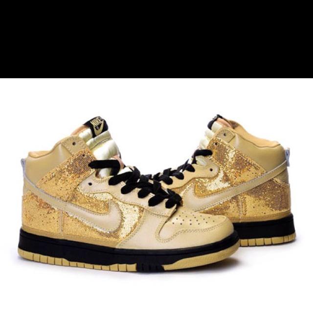 gold nike dunks hiphop shoes shoes pinterest