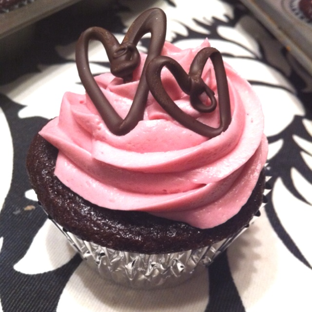 Chocolate Raspberry Cupcakes with Raspberry Cream Cheese Frosting