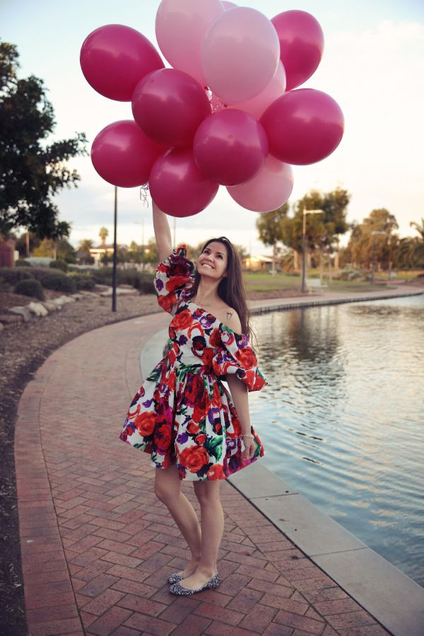 balloon photoshoot- wish my blog birthday or actual birthday wasn't in the winter so I could do a photoshoot like this to celebrate!