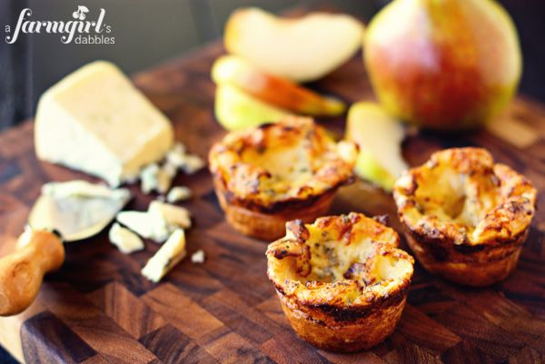 Blue Cheese Popover Muffins by @Brenda - a farmgirl's dabbles