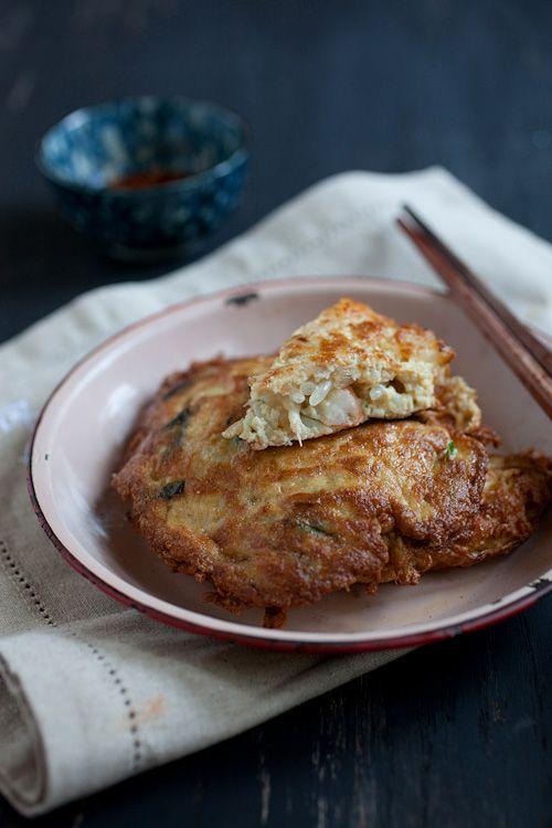 Egg Foo Young Recipe | Easy Asian Recipes http://rasamalaysia.com