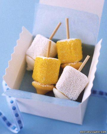 Marshmallow Dreidels #Jewish #Holiday #decor #party #hannukah Fab easy ...