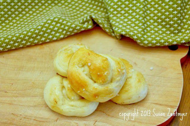 Mini Soft Pretzels for Oktoberfest via Love in the Kitchen # ...