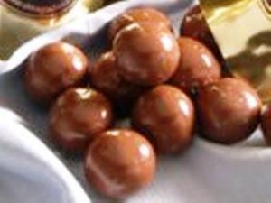 Peanut Butter Balls (by Sandy Klocinski)