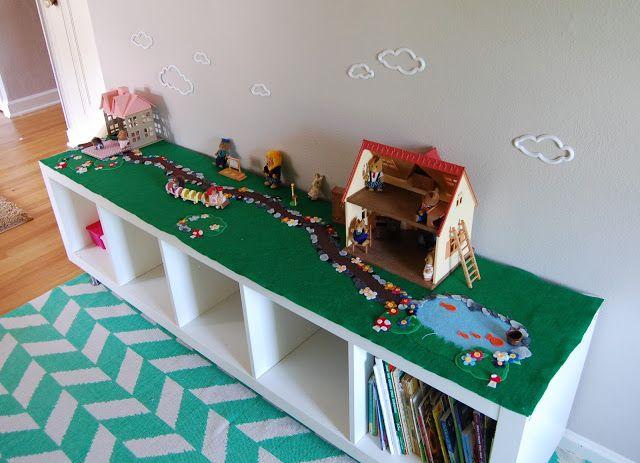 Pin by kim hammond brooks on lego pinterest - Table de jeu playmobil ...