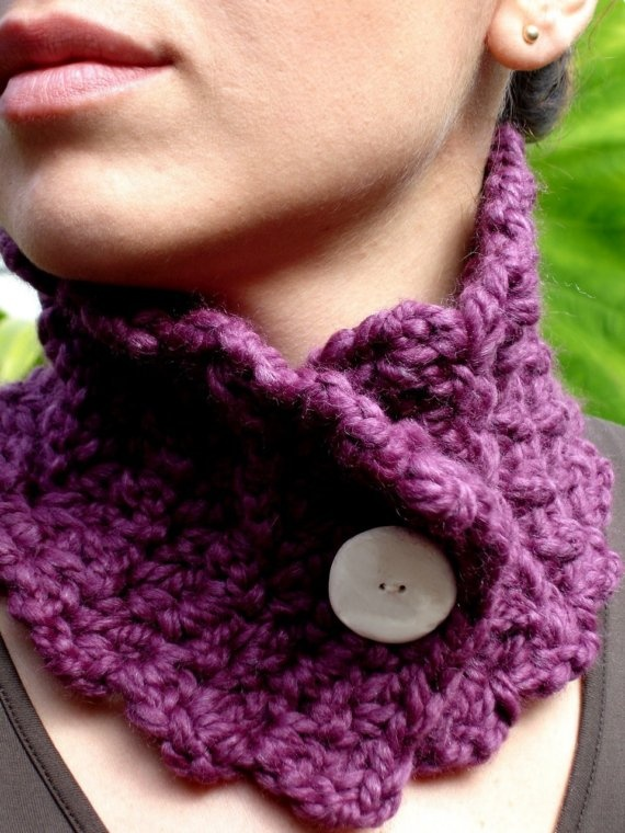 Crochet Neck Warmer : Crochet neck warmer. button closure project ideas Pinterest