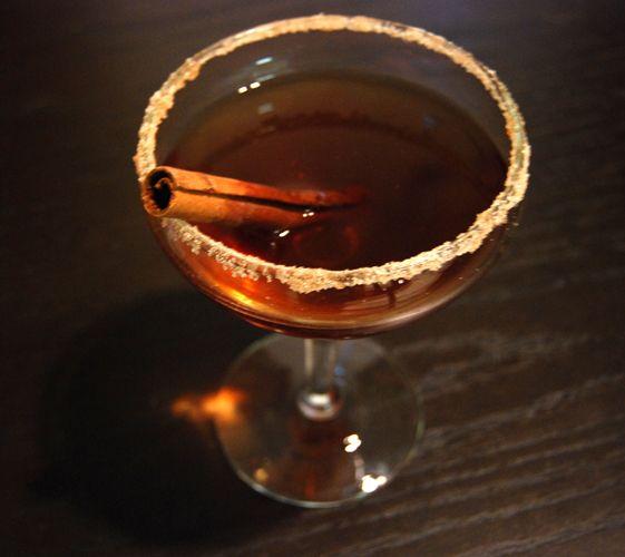 Spiked apple cider in a crock pot | Drinks on me :p | Pinterest