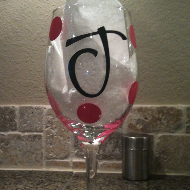Pin by leshonda rideaux arceneaux on diy crafts pinterest for Where to buy vinyl letters for wine glasses