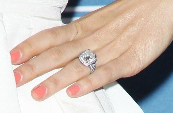 Jessica Biels Engagement Ring