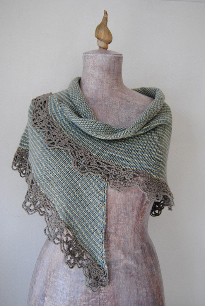 Knit Edging Patterns : Pattern - Knitted shawl with crochet edging - Sednas Shawl