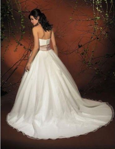 Hochzeitskleider mit Farbe: http://www.brautkleid-brautkleider.net ...