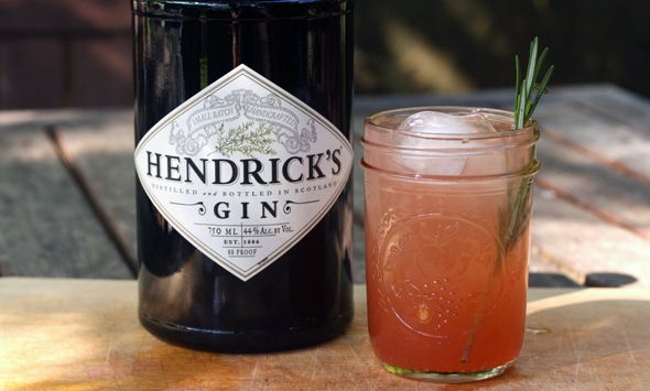 rosemary, rhubarb, and gin | drinks | Pinterest