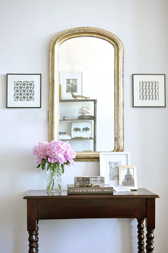 simple and stylish accessorizing console entry tables