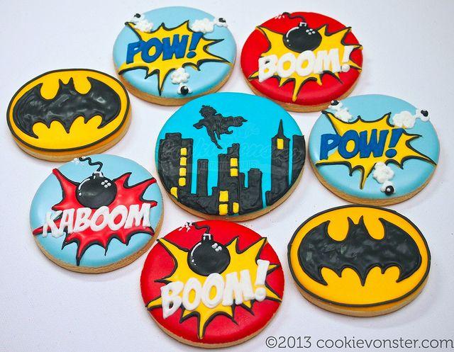 Round Batman Cookies (Cookievonster)