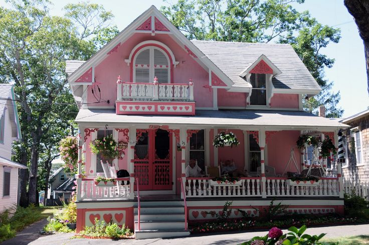 Pin by devon peters on travel oak bluffs 39 gingerbread for Gingerbread houses martha s vineyard