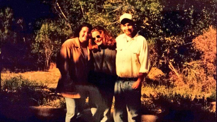 Courtesy of Twitter: LateBloomer @Jeckets 19h @Cal Shakes #CalShakes40th CalShakes 1st interns w/an apprentice backstage after Twelfth Night rehearsal in 1995