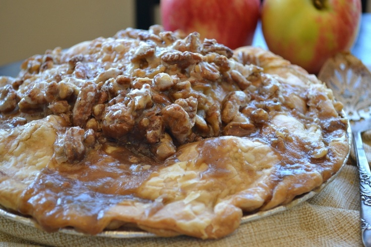 Caramel Apple Praline Pie | Pies, Pies and more Pies | Pinterest