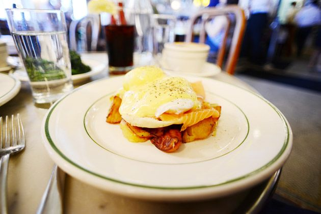Eggs Norwegian - eggs benedict with smoked salmon subbed in for the ...