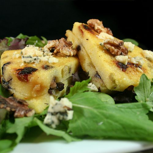 Olive and Sun Dried Tomatoes Grilled Polenta - The Healthy Foodie