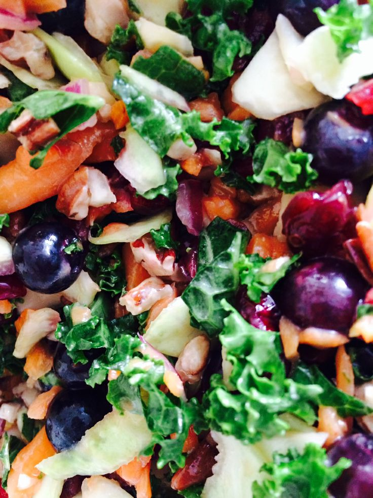 Kale Superfood Salad with Pomegranate Dressing 1 c chopped kale, 1/2 c ...