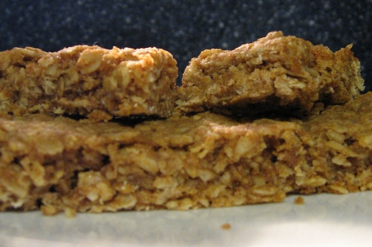 Best Simple Homemade Granola Bars Ingredients: 4 1/2 cups rolled oats ...