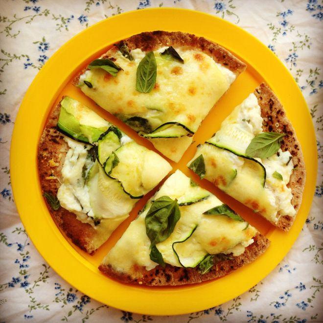 zucchini & ricotta pizza's | November 2013 | Pinterest