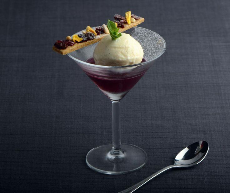 Mulled wine jelly, vanilla ice cream and speculoos biscuit with dried ...