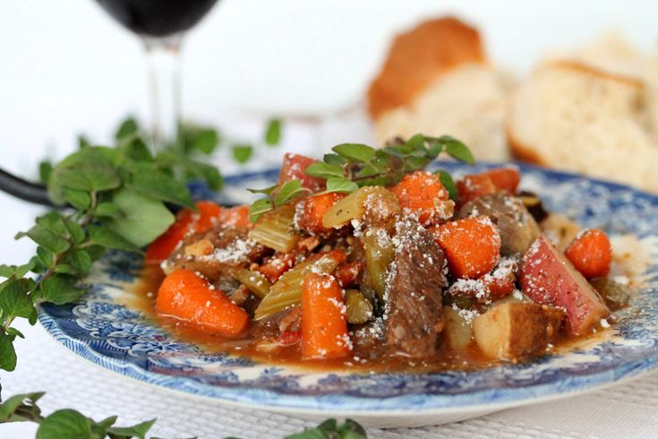Oregano and Red Wine Beef Stew - Great Recipe for Fall!