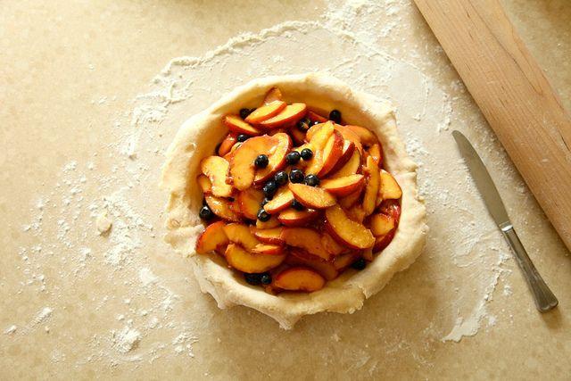 PEACH BLUEBERRY PIE | cooking | Pinterest