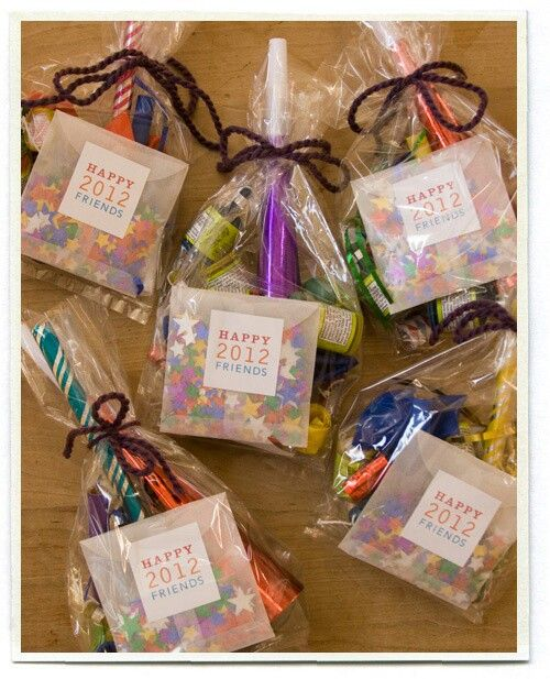 Party favors partys for girls and teen spa 39 s sleepover - Best new year gift ideas ...