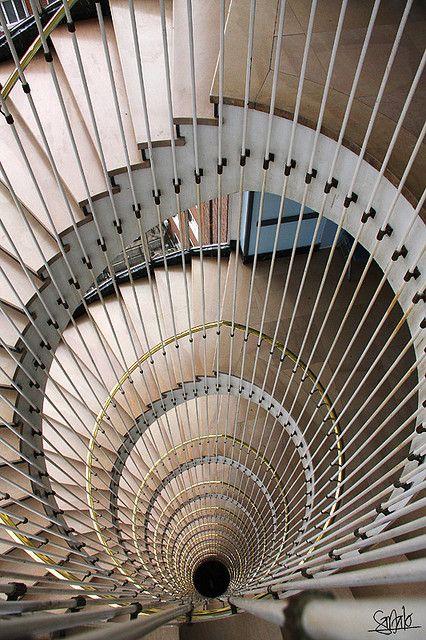 Hospital de cruces escalera de caracol staircase - Escaleras de caracol ...