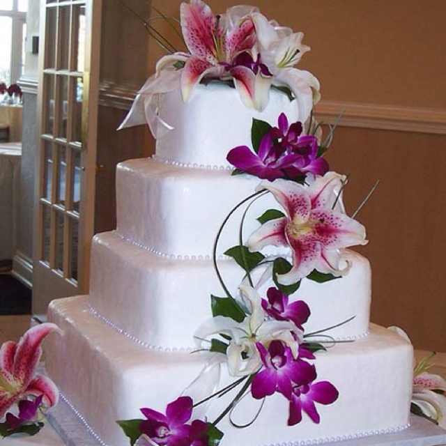 Cake Decorating Real Flowers : Real or fake flowers? Cake Decorating Pinterest