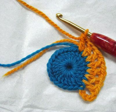 Working Over Your Ends - How to Crochet Crochet - Flowers & Doilies ...