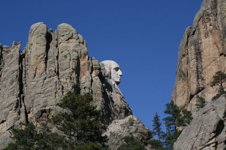 The road approaching Mount Rushmore. | America's National Parks & Mon...