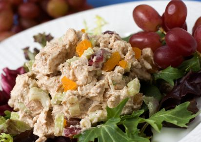 Gluten-Free Curry Chicken Salad with Raisins and Toasted Almonds | Low ...