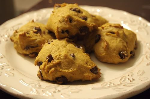 Easy Pumpkin Chocolate chip cookies!! Can of pumpkin, Cake mix, and ...