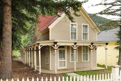 Folk victorian farmhouse google search farm pinterest for Victorian farmhouse architecture