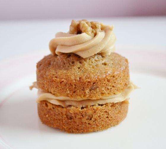 mini coffee and walnut cake | Cakes | Pinterest